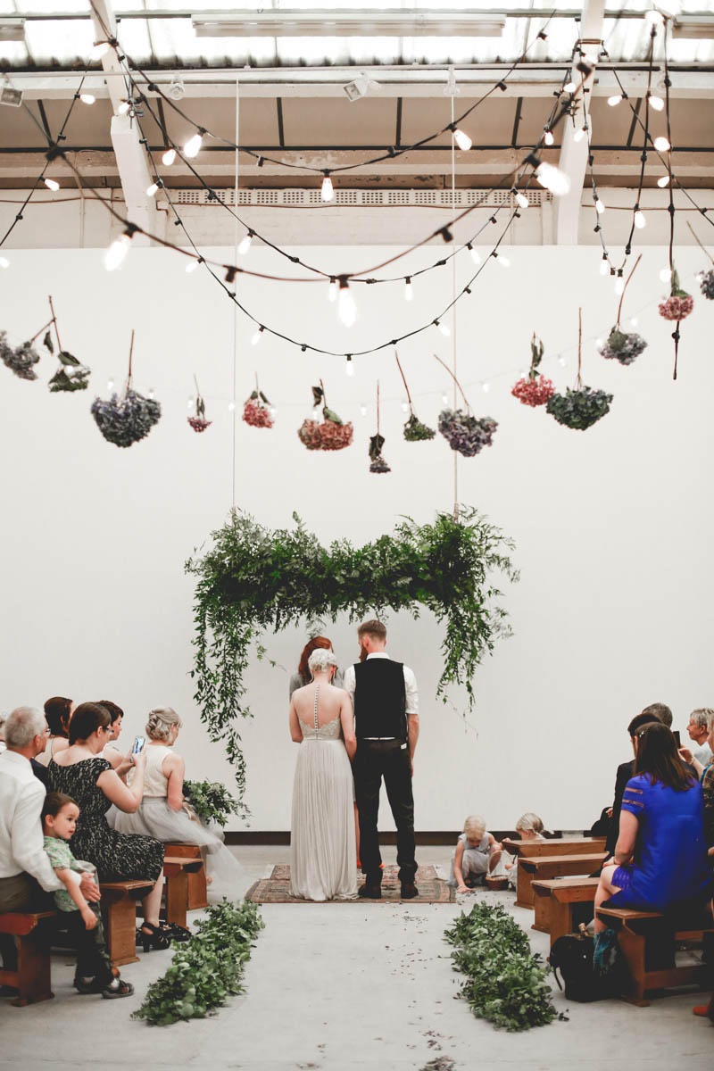 How to style a Minimalist Wedding