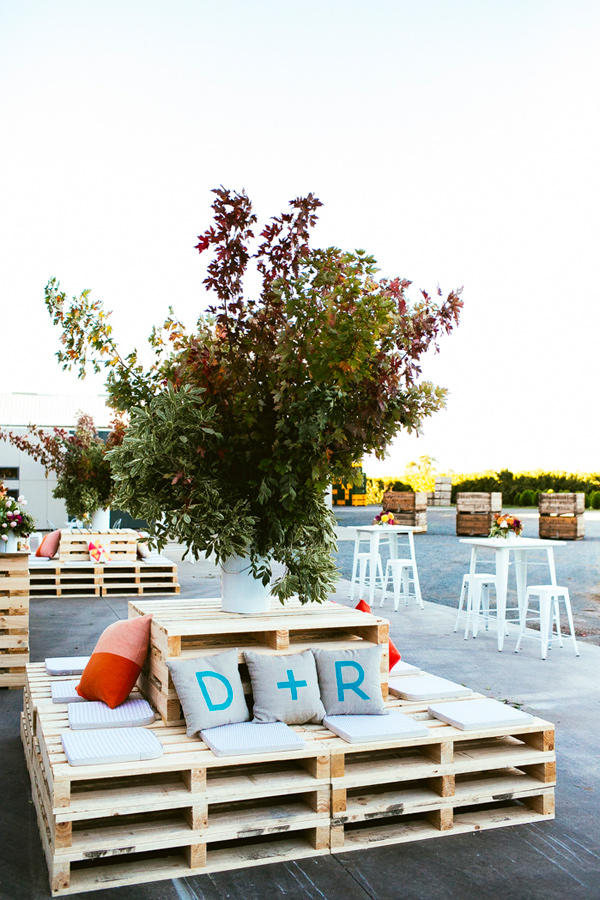 Pallet Seating Wedding Lounge Area Style