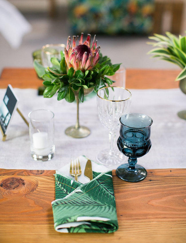 tropical wedding simple table arrangement