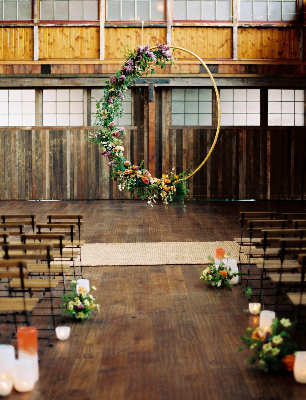 Flower hoop wedding dance-floor florist idea