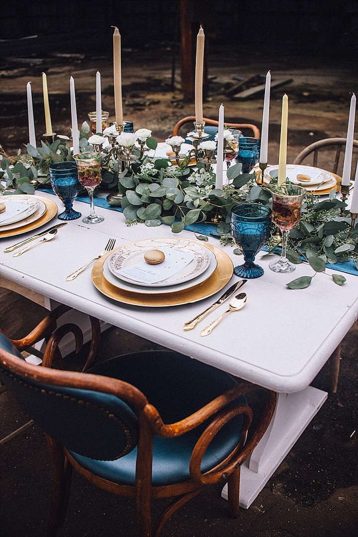 Blue and gold wedding styling