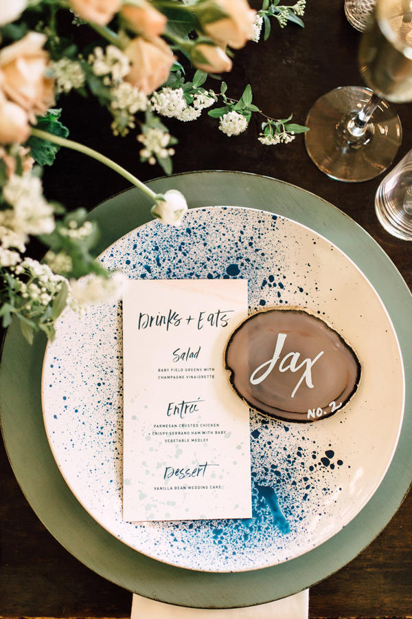 Using blue on wedding table ideas