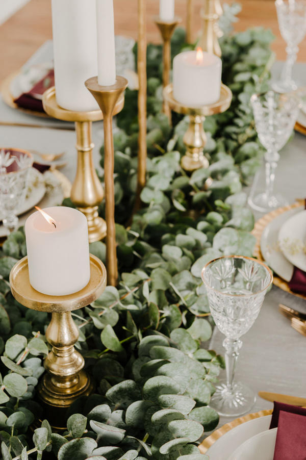 colour schemes emerald gold table styling