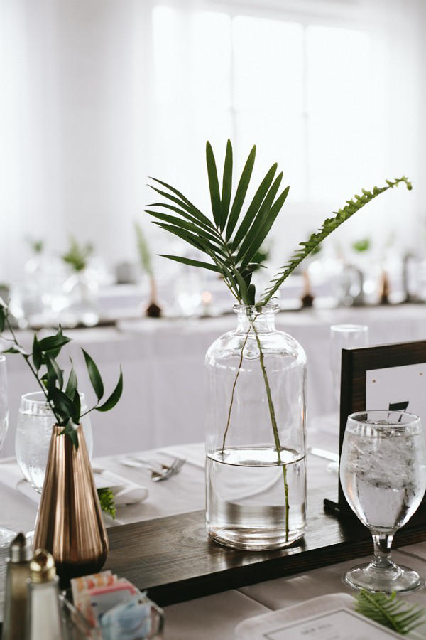 minimalist wedding table styling idea