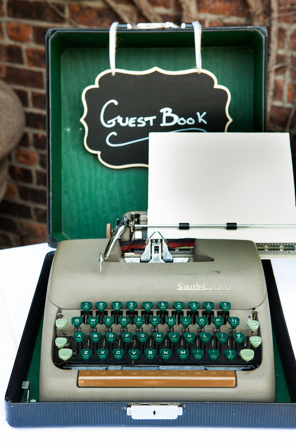 retro urban wedding vintage typewriter style idea