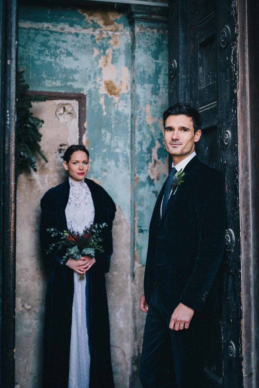Dark & Stormy: A Midnight Blue Wedding Colour Scheme ⋆ Carmela ...