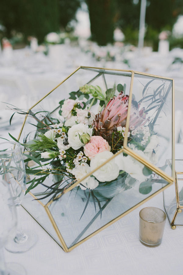 colour schemes emerald gold table decoration