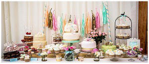 world of weddings cake table