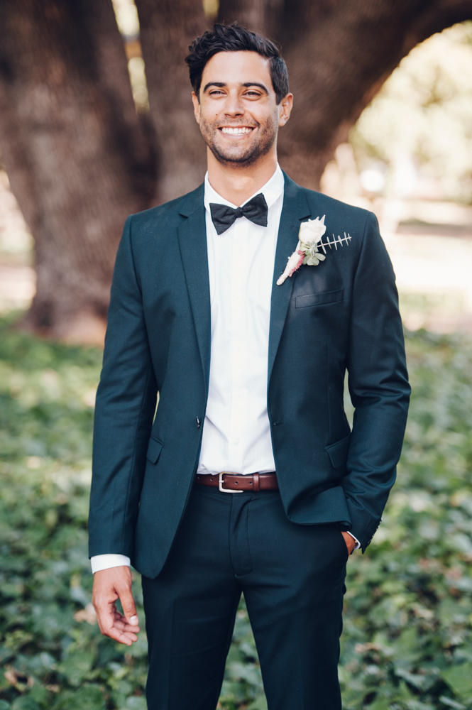 groomsmen trends smart suit