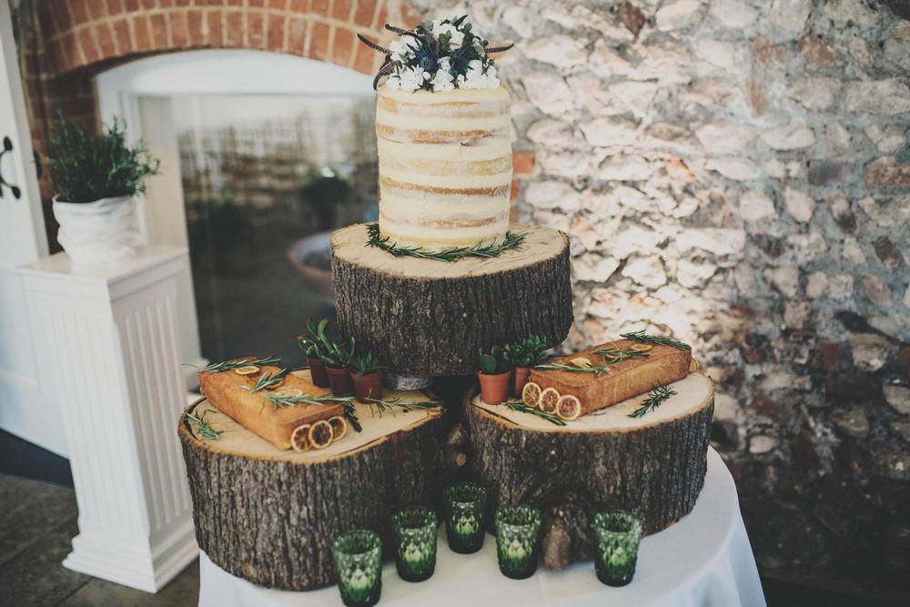 Urban Boho Wedding cake styling
