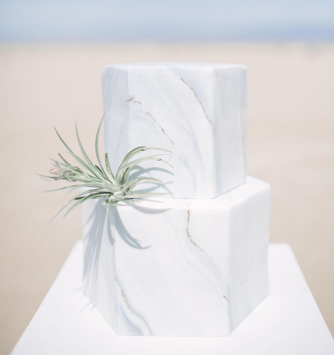 marble trend hexagonal wedding cake