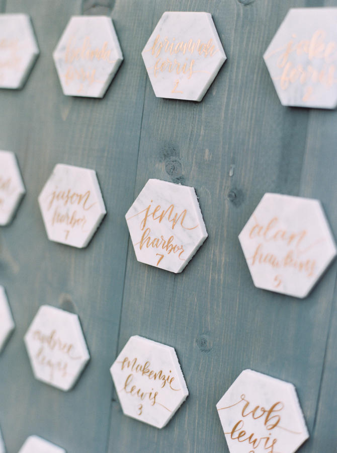 marble wedding trend table plan styling