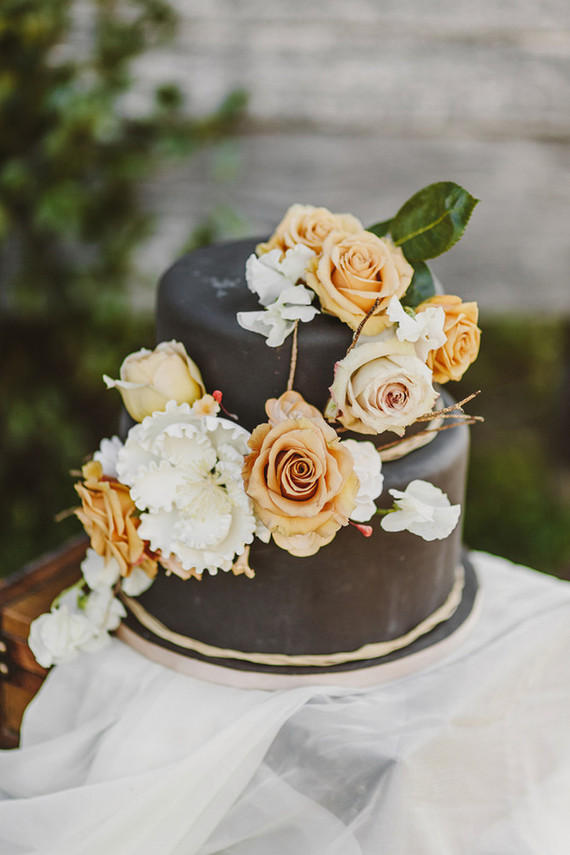 We bring you 10 seriously cool wedding cakes