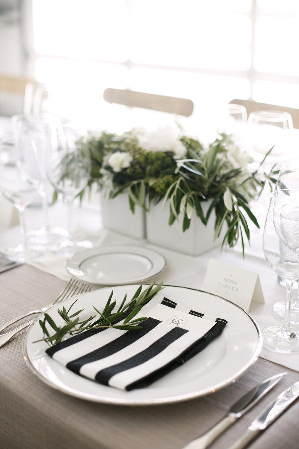 monochrome wedding table styling ideas