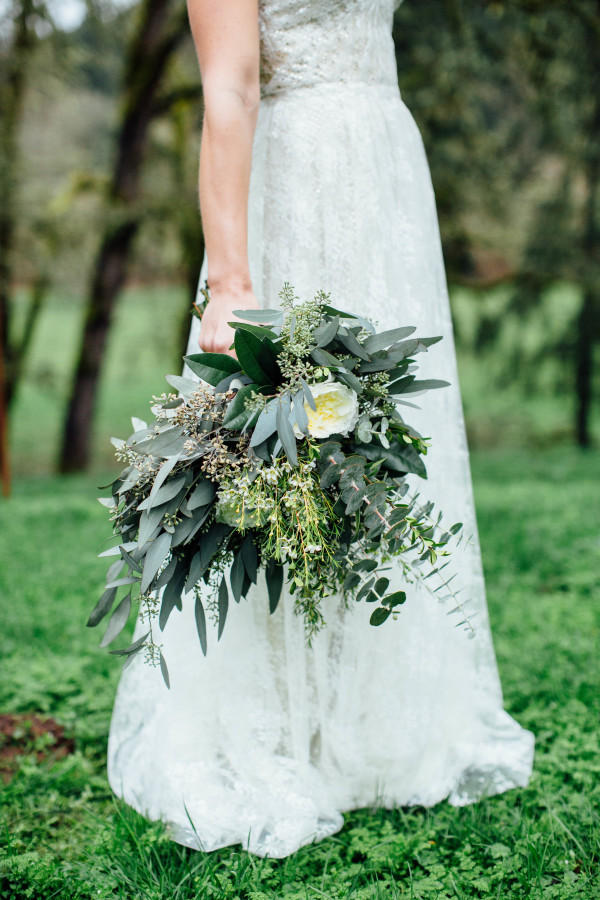 forest green wedding bouquet