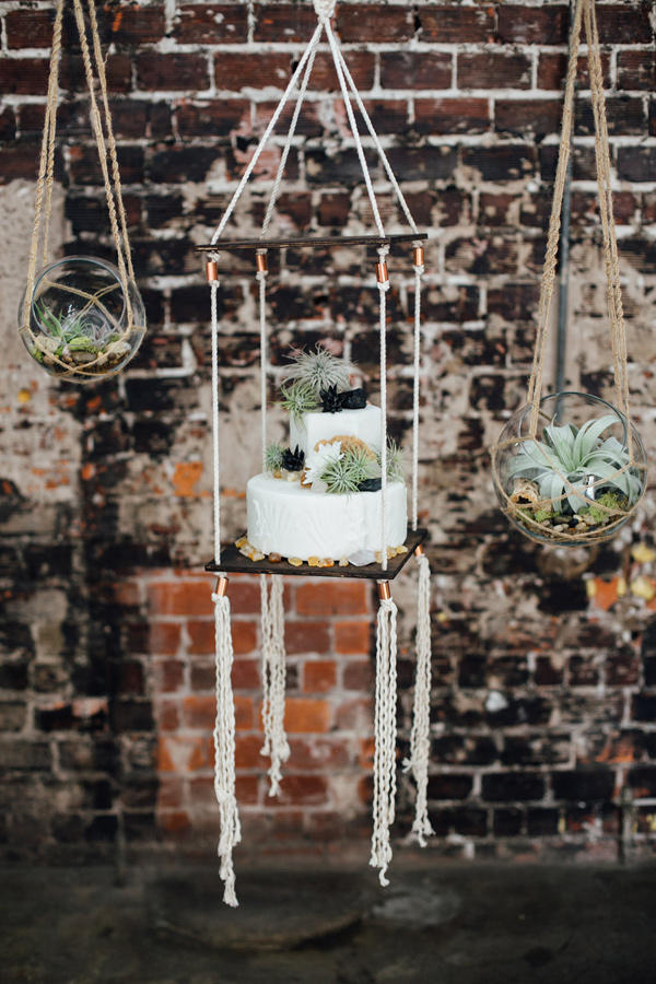 wedding succulents cake with macrame idea
