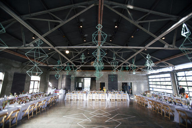 Wedding dace-floor wire decor styling