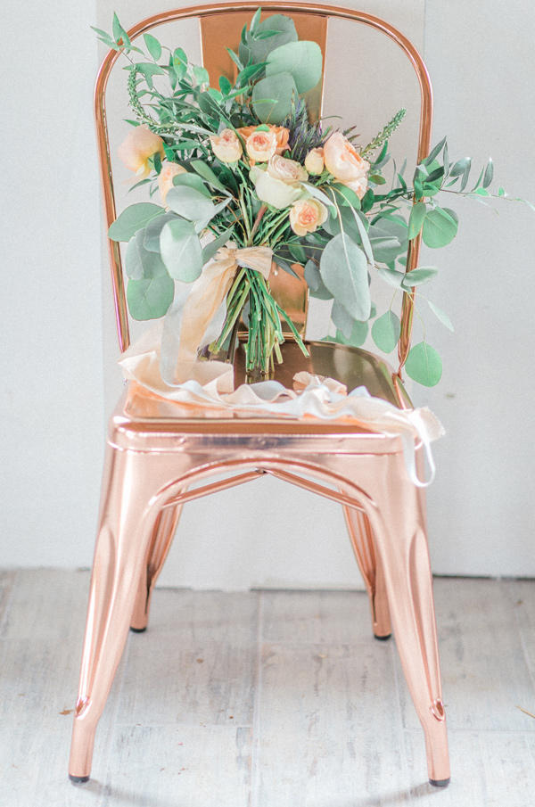 copper trend floral styling