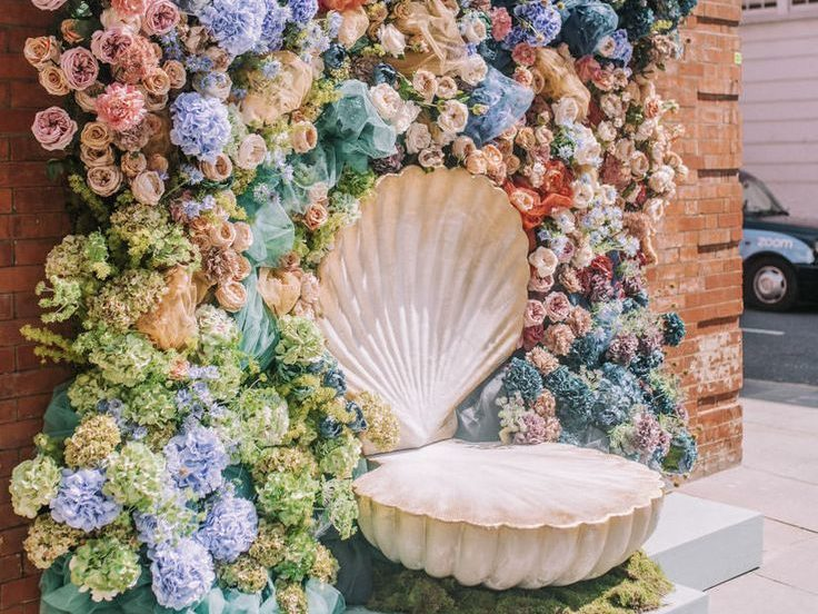 Maximalism is the go hard or go home friend when it comes to weddings themes.